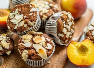 These Vegan Peach and Quinoa Muffins Are Perfection