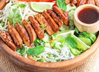 Lunch Is Served With This Vegan Vietnamese Salad Bowl