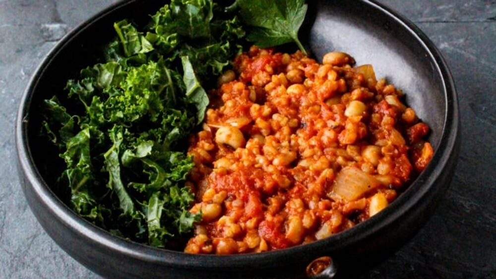 Serve This Spicy Vegan Tomato Brown Rice and Black-Eyed Peas With Everything