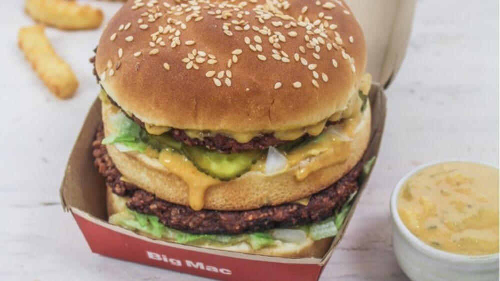 Slather Your Veggie Burgers in This Vegan Hummus Sauce