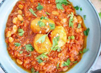 Vegan Mediterranean-Inspired Shakshuka With Potatoes and Beans