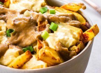 Vegan Cheesy Fries Poutine With Mushroom Gravy