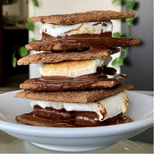 These Vegan S'mores Will Make You Feel Like a Kid Again