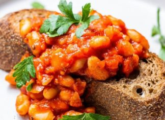 Vegan Baked Beans in Tomato Passata Sauce on Toast