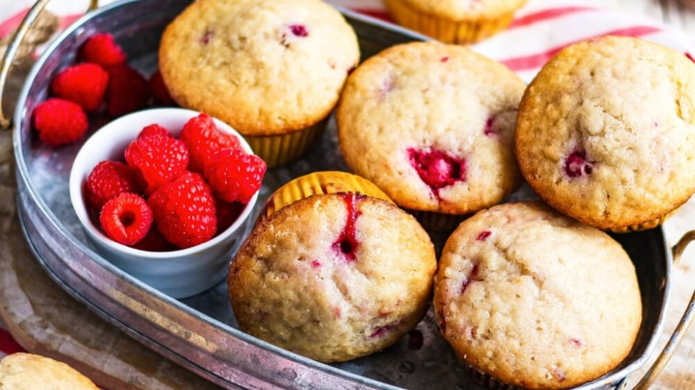 Enjoy Breakfast On-the-Go With These Vegan Raspberry Muffins