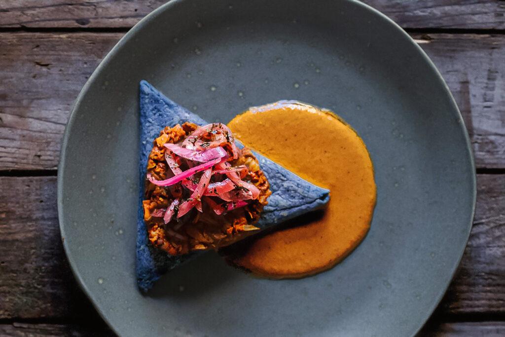素食主义者伊恩伊恩卡斯特罗如何在奶奶烹饪中找到了他的目的