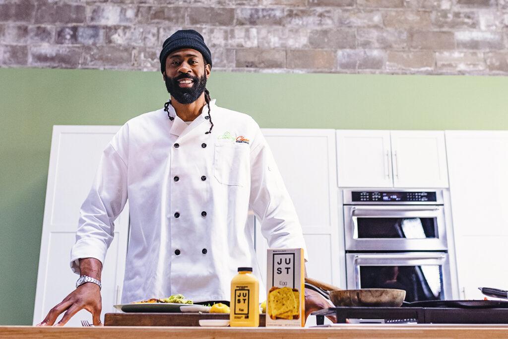 NBA Star Deandre Jordan Lands素食烹饪秀,烹饪干净