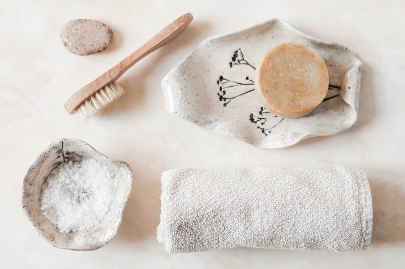 Zero-Waste by Room: Tips for Your Kitchen, Closet, Office, and More!