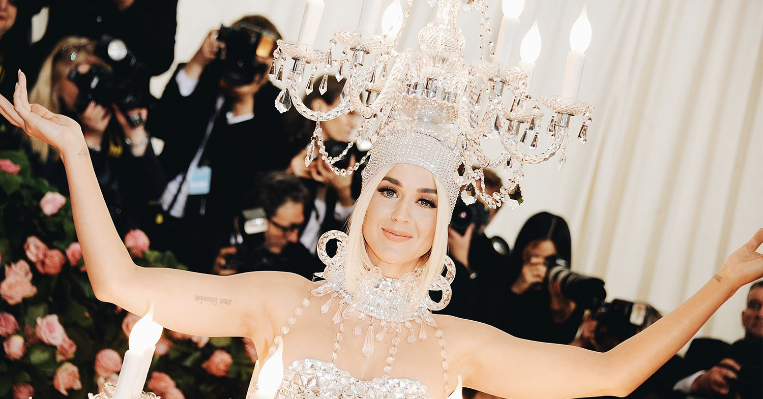 Katy Perry wearing a chandelier on her head at the Met Gala in 2019