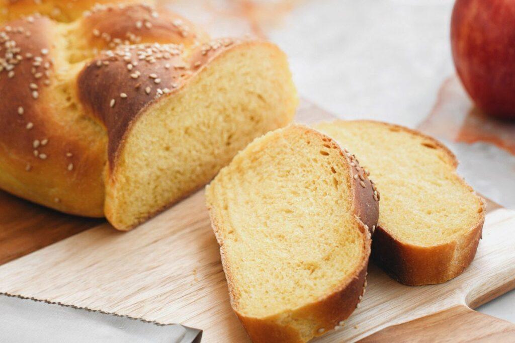 Egg-free challah bread